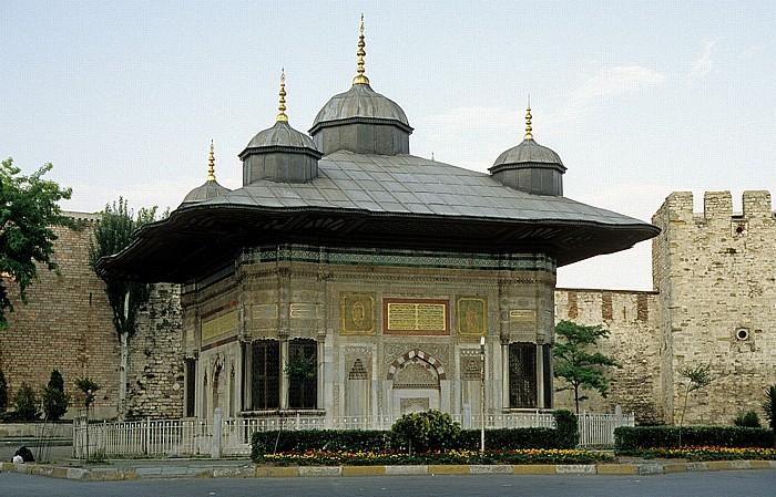 Istanbul Brunnen Ahmeds III. Topkapi-Palast