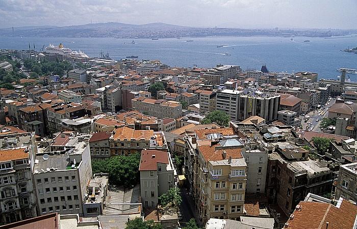 Blick vom Galata-Turm: Bosporus Istanbul