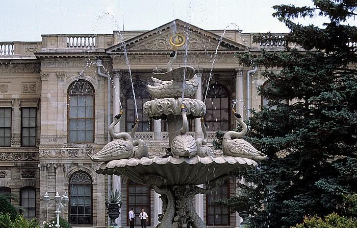 Dolmabahçe-Palast: Schwanenbrunnen Istanbul