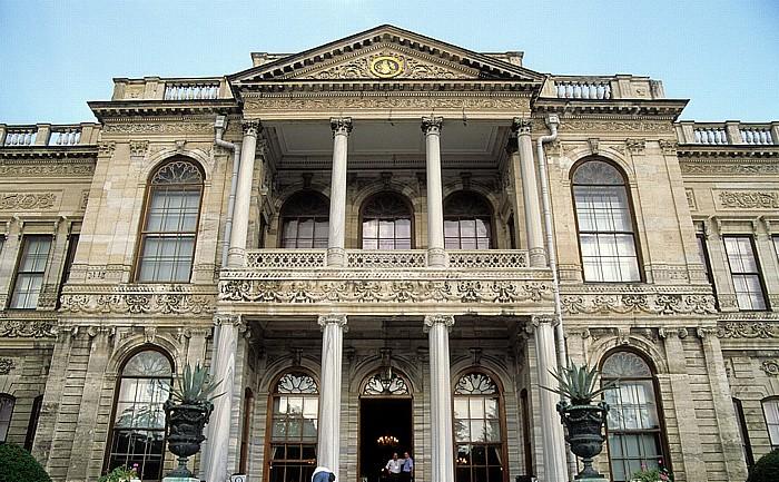 Dolmabahçe-Palast: Eingang Istanbul