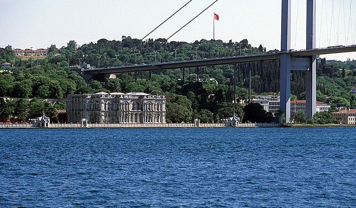 Beylerbeyi-Palast, Bosporus-Brücke