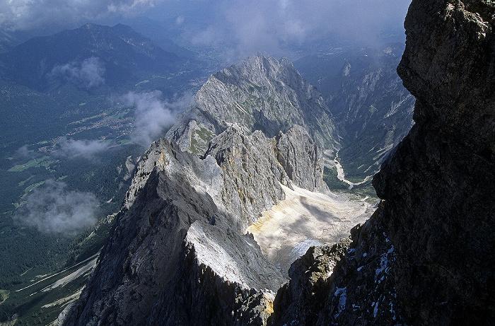 Zugspitze Blick vom Gipfel: Höllental