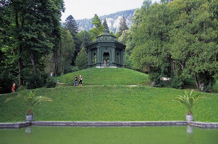 Linderhof Schlosspark (Nordhang): Bassin, Musiktempel