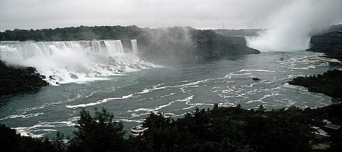 Niagara Falls Niagarafälle: Von links American Falls, Luna Island, Bridal Veil Falls, Goat Island und Horseshoe Falls