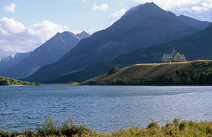 Waterton Lakes National Park Middle Waterton Lake Prince of Wales Hotel