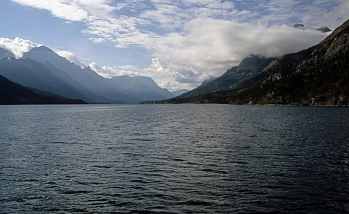 Waterton Lakes National Park Upper Waterton Lake, Glacier National Park (USA)