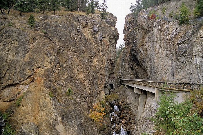 Kootenay National Park Sinclair Canyon: British Columbia Highway 93