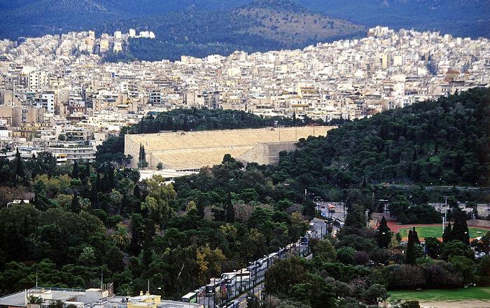 Blick von der Akropolis: Panathinaikon-Stadion Athen 2007
