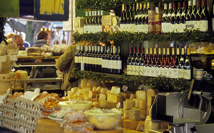 München Viktualienmarkt: Wein und Käse