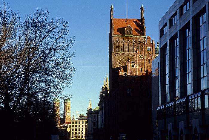 München Bayerisches Verfassungs- und Oberlandesgericht Elisenhof Frauenkirche