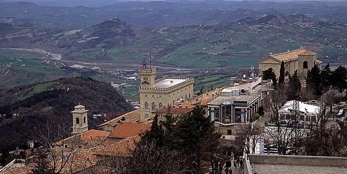 San Marino Monte Titano (Altstadt) Basilica del Santo Regierungspalast