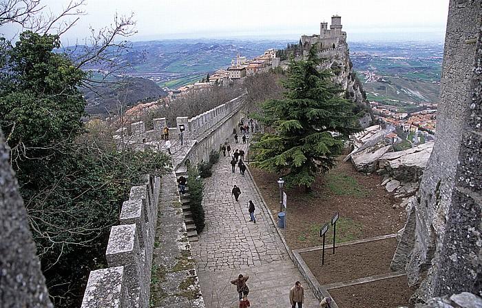 San Marino Monte Titano, Stadtmauer, Altstadt, Wehrturm La Guaita