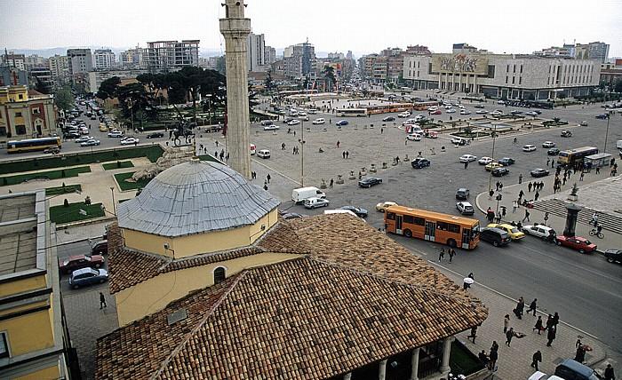 Tirana Blick vom Uhrturm: Skanderbeg-Platz Et'hem-Bey-Moschee Historisches Nationalmuseum