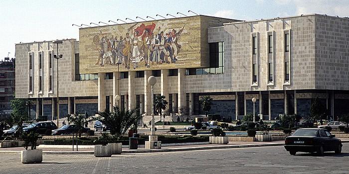 Tirana Skanderbeg-Platz, Historisches Nationalmuseum