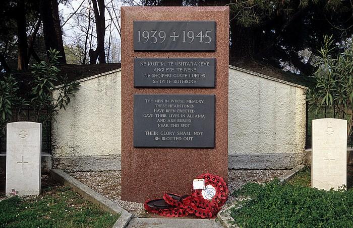 Tirana Großer Park (Parku i Madh): Gedenkstätte für gefallene britische Soldaten