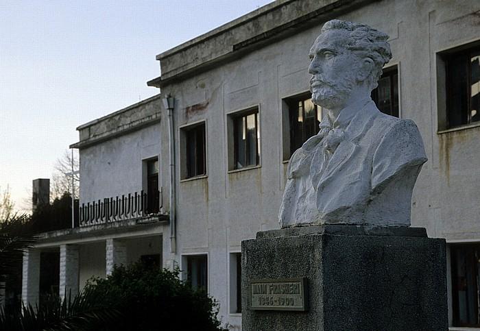 Përmet Denkmal für Naim Frashëri