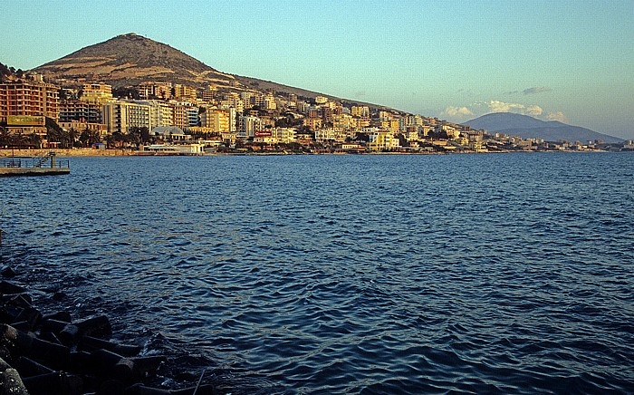 Saranda Ionisches Meer und der Mali i Lëkurësit