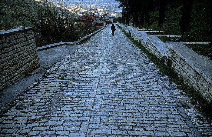 Berat Weg zur Burg (Kalaja)