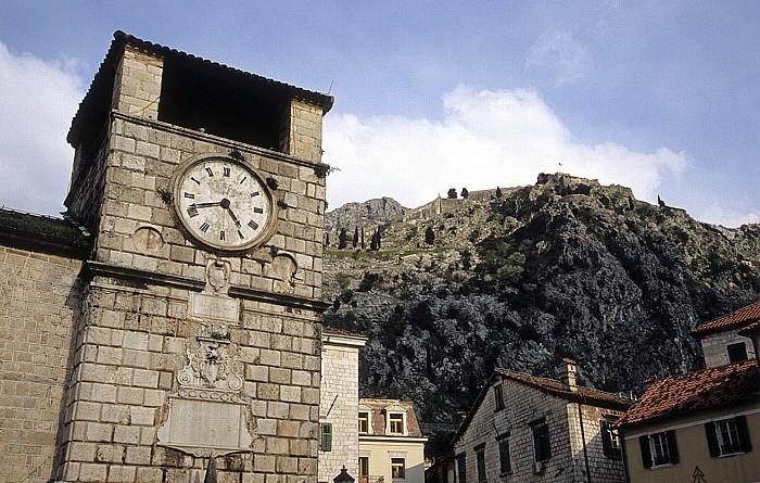 Kotor Altstadt: Uhrturm Festung Sveti Ivan