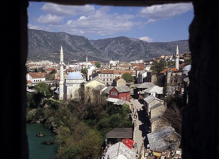 Mostar Blick aus dem Städtischen Museum: Altstadt mit Koski-Mehmed-Pasha-Moschee (links) und Nesuh-Aga-Vucjakovic-Moschee Städtisches Museum