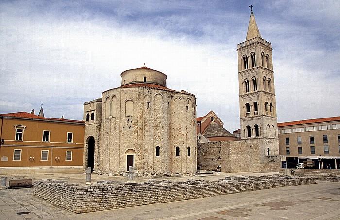 Zadar Altstadt: St. Donatus (Sveti Donat) und St. Anastasia (Sveti Stosija) (rechts)
