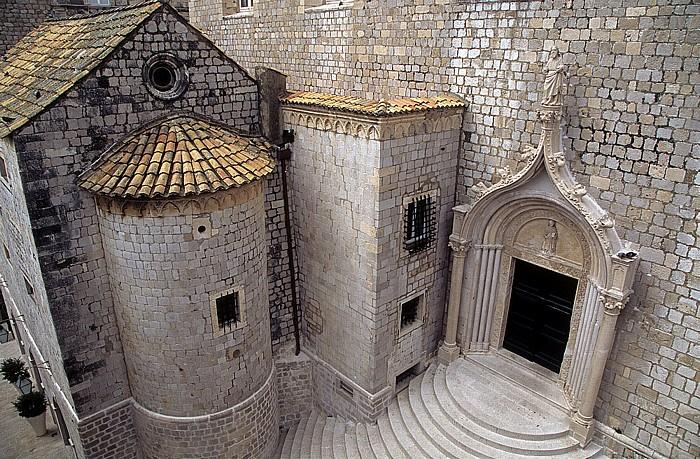 Altstadt: Blick von der Stadtmauer: Dominikanerkloster Dubrovnik