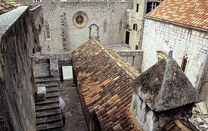 Altstadt: Blick von der Stadtmauer: Kirche des Hl. Lukas Dubrovnik