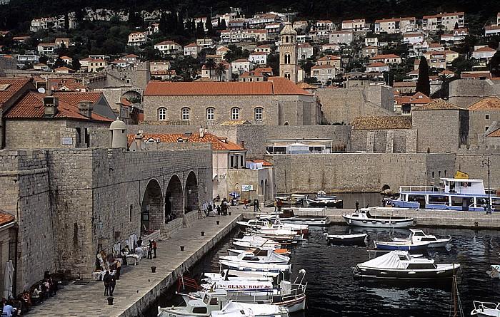 Dubrovnik Altstadt: Blick von der Stadtmauer: Alter Hafen, Dominikanerkloster Stadthafen