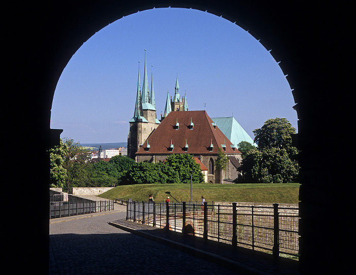 Erfurt Blick von der Zitadelle Petersberg: Severikirche Dom