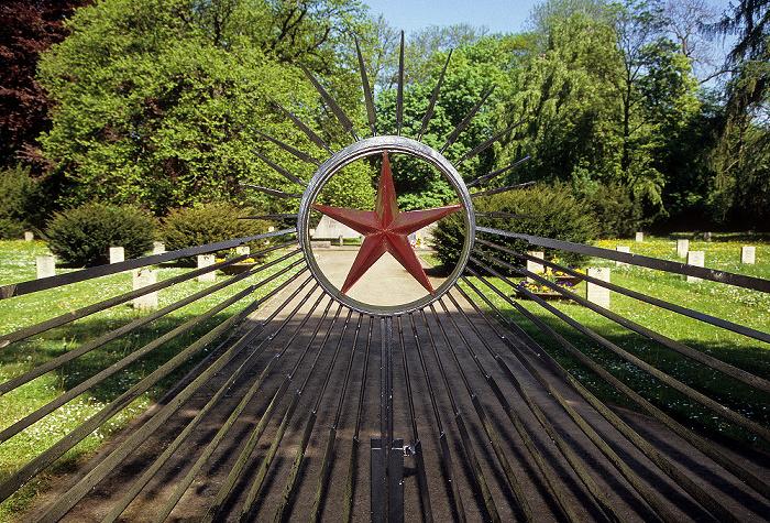 Weimar Park an der Ilm: Ehrendfriedhof der Roten Armee