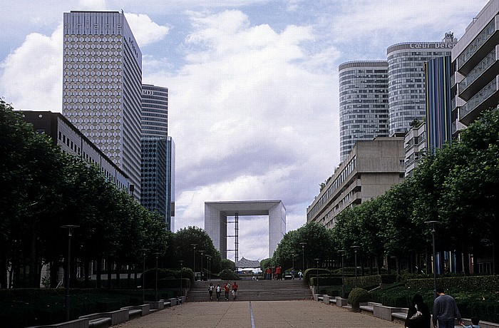 Paris La Défense Grande Arche Tour Ariane Tour Coeur Défense Tour EDF Tour Opus 12