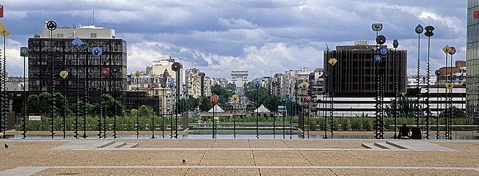 Paris La Défense Arc de Triomphe Avenue Charles de Gaulles Neuilly-sur-Seine