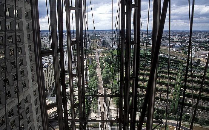 Paris La Défense: Grande Arche Friedhof von Neuilly La Jetée