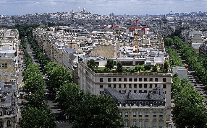 Paris Blick vom Arc de Triomphe: Avenue Hoche (links) und Avenue de Friedland Basilique du Sacré-Coeur Église Saint-Augustin Montmartre