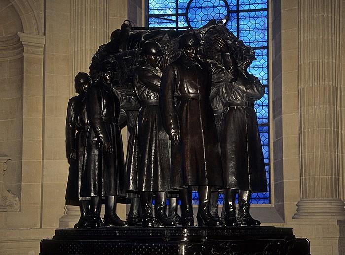 Paris Dôme des Invalides (Invalidendom): Bronzegrab von Ferdinand Foch