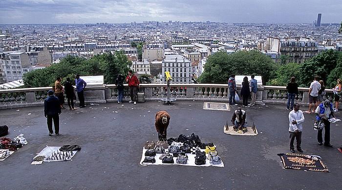 Paris Square Louise-Michel - Blick von Montmartre Tour Montparnasse