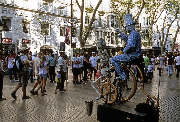 La Rambla (Rambla dels Estudis): Straßenkünstler Barcelona