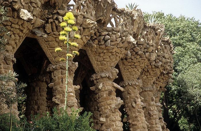 Parc Güell: Säulengang Barcelona