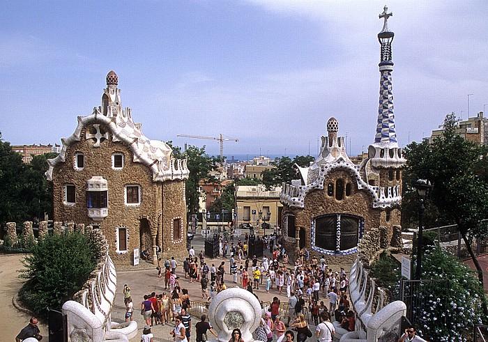 Parc Güell: Verwaltungsgebäude (links) und Pförtnerhaus Barcelona