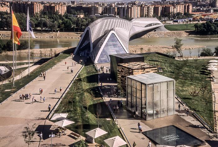 Saragossa EXPO Zaragoza 2008: Blick aus der Seilbahn: Brücken-Pavillon (Pabellón Puente) über den Ebro