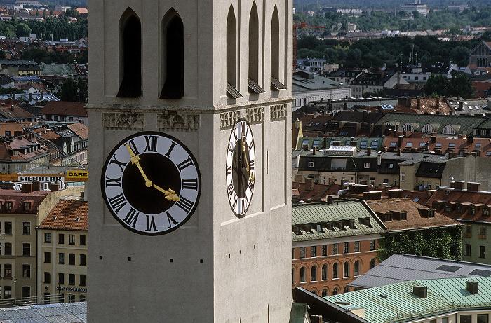 Blick vom Rathausturm (Neues Rathaus): St. Peter (Alter Peter) München 2008
