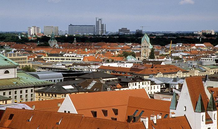 Blick vom Rathausturm (Neues Rathaus): Arabellapark mit Hypo-Hochhaus München
