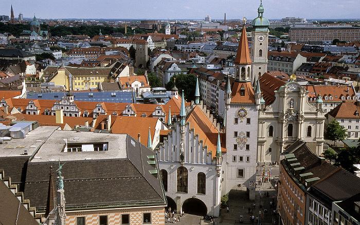 Blick vom Rathausturm (Neues Rathaus): Altstadt, Altes Rathaus, Heilig-Geist-Kirche München 2008