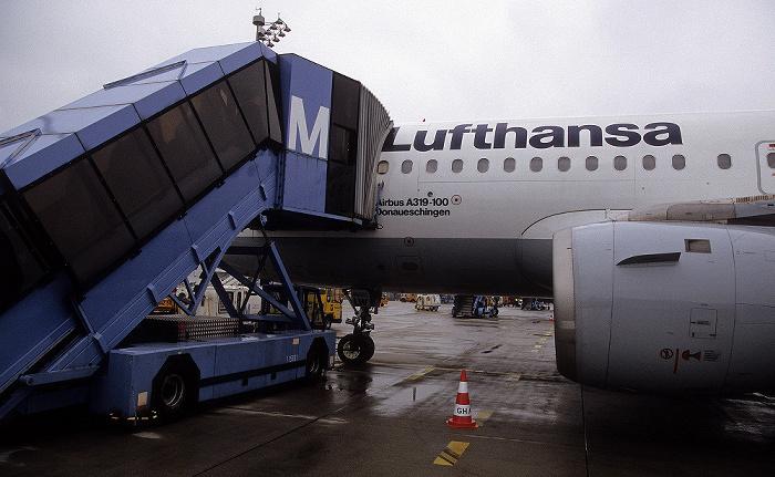 München Flughafen Franz Josef Strauß: Lufthansa-Airbus A 319-100 Donaueschingen