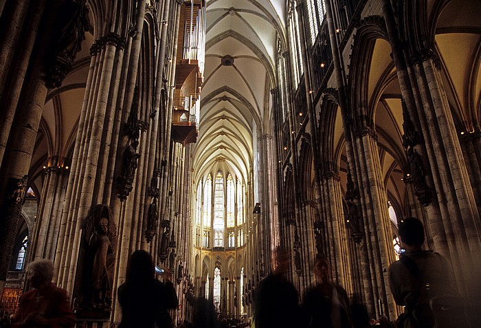 Kölner Dom (Hohe Domkirche St. Peter und Maria): Mittelschiff, Chor