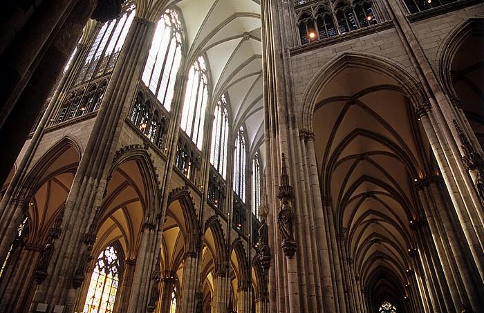 Kölner Dom (Hohe Domkirche St. Peter und Maria): Querschiff, Mittelschiff