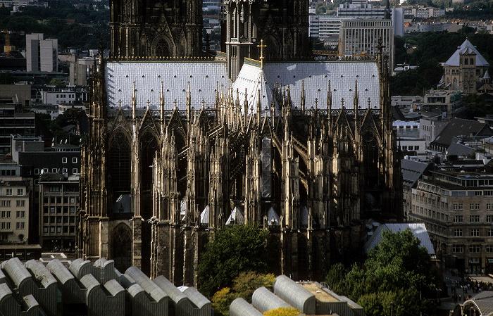 Blick vom KölnTriangle: Kölner Dom Museum Ludwig St. Gereon