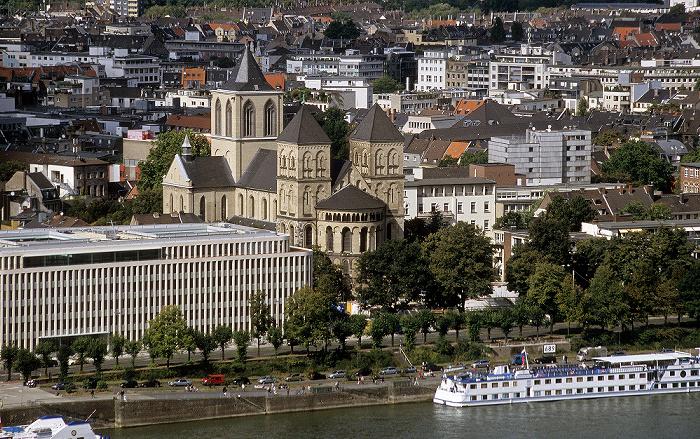 Blick vom KölnTriangle: Nordstadt mit St. Kunibert