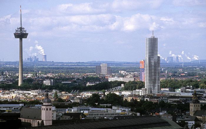 Blick vom KölnTriangle: Fernmeldturm Colonius und KölnTurm St. Mariä Himmelfahrt St. Ursula