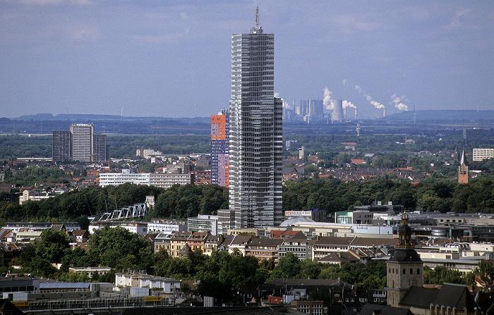 Blick vom KölnTriangle: KölnTurm St. Ursula